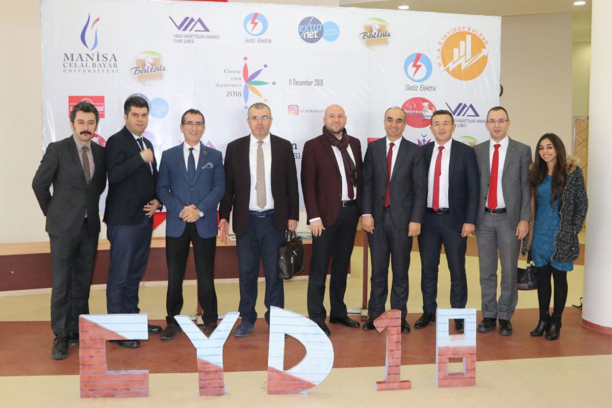 Celal Bayar Üniversitesi İktisat Kulübü konferansındaydık.